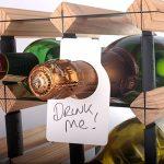 Classement des CKB Ltd® Pack de 48 Blank Grand Etiquettes pour Goulot de bouteille de vin & Étiquettes de bouteille de vin pour étiqueter une bouteille tout stockée dans une collection de cave Rack de rangement inédit