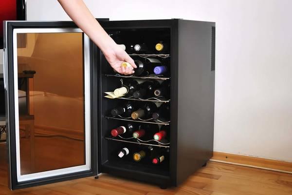 cave à vin sous plan de travail